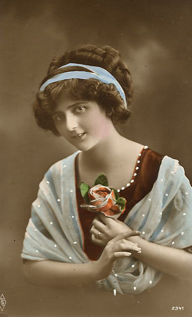 Vintage Ladies Cabinet Cards (117)