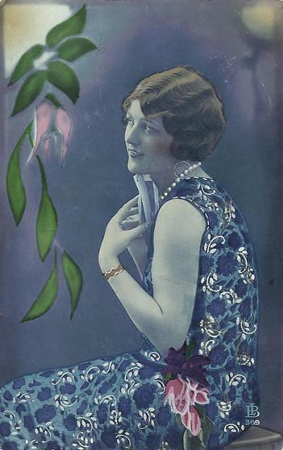 Vintage Ladies Cabinet Cards (118)