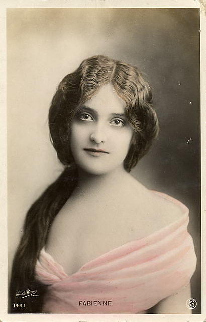 Vintage Ladies Cabinet Cards (236)