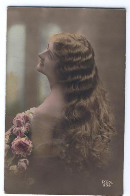 Vintage Ladies Cabinet Cards (246)