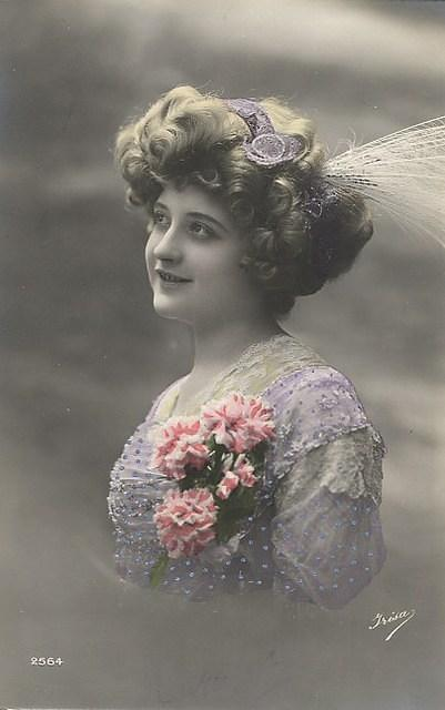 Vintage Ladies Cabinet Cards (32)