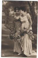 Vintage Ladies Cabinet Cards (150)