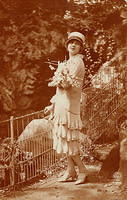 Vintage Ladies Cabinet Cards (181)