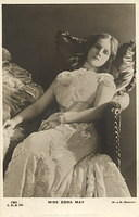 Vintage Ladies Cabinet Cards (186)
