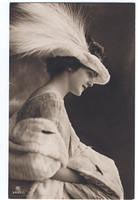 Vintage Ladies Cabinet Cards (77)